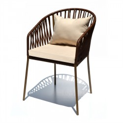 Silla Bernal tejida con asiento tapiz